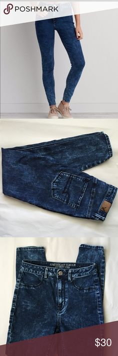 American Eagle Sky High Jegging! American Eagle Sky High Jegging! Dark Acid Wash! New without tags! 27 inch inseam. 10inch rise! Stretchy and comfortable! American Eagle Outfitters Jeans Skinny