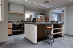 Keukens Prachtige massief houten keuken