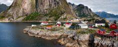 Les îles Lofoten - Norvège Luminosité exceptionnelle  La lumière qui baigne les îles Lofoten est unique, ce qui explique pourquoi de nombreux artistes viennent y trouver leur inspiration.
