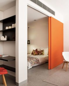 Totally Brilliant Bedroom Design Ideas For Small Apartment – Decorating Ideas - Home Decor Ideas and Tips Small Space Living, Living Spaces, Living Area, Small Rooms, Maximize Small Space, Small Bathrooms, Tiny Living, Living Rooms, Home Bedroom