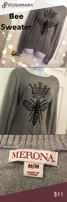 👑🐝Queen Bee Sweater👑🐝 Adorable sweater featuring queen bee! Great condition. This sweater is the perfect staple for your fall and winter wardrobe! 👑🐝💁 ••• 53% cotton • 40% rayon • 7% nylon• Merona Sweaters