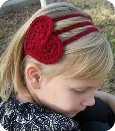 Ravelry: Crochet Heart Headband pattern by Becky Dossey Love Crochet, Crochet For Kids, Crochet Flowers, Knit Crochet, Ravelry Crochet, Simple Crochet, Crochet Hair Accessories, Crochet Hair Styles, Baby Accessories