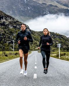 couple goals You are in the right place about Fitness mujer Here we offer you the most beautiful pictures about the Fitness frases you are looking for. When you examine the couple goals part of the pi Sports Couples, Fit Couples, Fitness Photography, Sport Photography, Jogging, Yoga, Climbing Workout, Running Photos, Couple Running