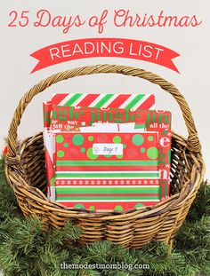 25 Days of Christmas Books for Children! Read a book each day to your child leading up to Christmas. I can't wait to do this! Christmas Jesus, 25 Days Of Christmas, Christmas Books, Christmas Holidays, Christmas Stuff, Holiday Themes, Christmas Themes, Christmas Recipes, Winter Holidays