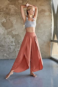 Yoga and fitness clothing at an affordable price! Get brands like free people, onezie, teeki, manduka, and more sent right to your door. Yoga Fashion, Fashion Pants, Fashion Dresses, Fashion Sandals, Fashion Women, Fashion Jewelry, Mode Yoga, Pants For Women, Clothes For Women