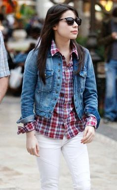 Miranda Cosgrove parents | Teen Celeb Buzz: Miranda Cosgrove: Bistro Beauty