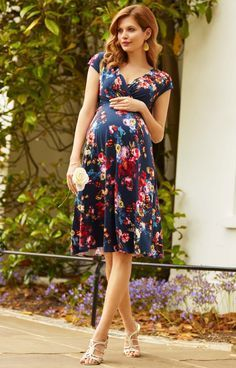 Tiffany Rose Alessandra Dress. #maternitystyle #pregnancy #momstyle