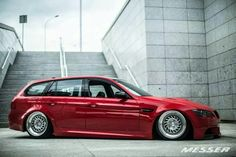 BMW E91 3 series touring red slammed