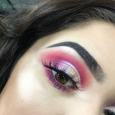 Pretty half cut crease bold hot pink makeup eyeshadow