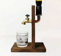 Handgefertigt aus Holz Alkohol-Dispenser von SteamVintageWorks