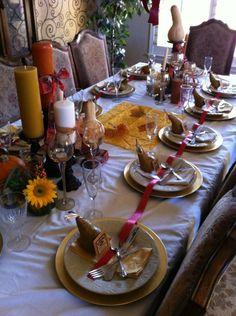 lazo rojo para decorar la mesa para una fiesta otoñal