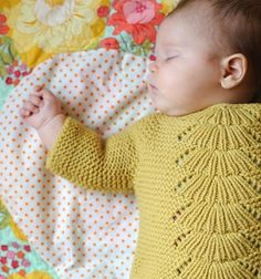 Fuente: http://www.ohsweetbabies.com/clothing-baby-knitting-pattern.php