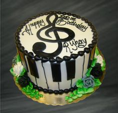 Music Notes and Piano Keyboard Layer Cake. Tinkle the ivories of this cute music-inspired layer cake and play some sweet music! Mini Tortillas, Candy Cakes, Cupcake Cakes, Piano Cakes, Mom Cake, Cake Board, Specialty Cakes, Dessert Recipes, Desserts