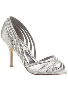 Badgley Mischka Glynn | Piperlime    just trying to be a good MOH :)    $139.97