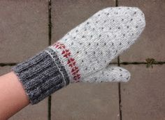 Ribbed cuff and twined hand -knitwear and dislocated: tvåändsstickning Fair Isle Knitting Patterns, Knitting Kits, Loom Knitting, Knitting Socks, Knitting Designs, Knitting Projects, Hand Knitting, Crochet Mittens, Mittens Pattern