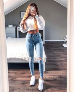 A skinny jean and a white hoodie outfit look for school Amazing 42 Delicate Summer Outfits Ideas To Wear Now Teenage Outfits, Cute Casual Outfits, Teen Fashion Outfits, Sporty Outfits, Mode Outfits, College Outfits, Outfits For Teens, School Outfits, Womens Fashion
