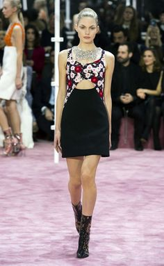 Christian Dior - Haute Couture Primavera-Verano 2015 - www.so-sophisticated.com