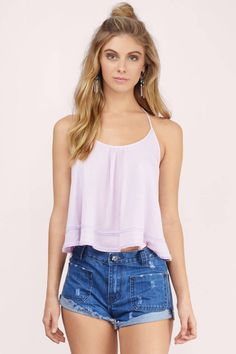 An effortless cami halter tank top that ties around the neck. The low back and double banded insets at the hem make for the perfect boho detail for any festival. Available in black, ivory, lavender, and mint. Black Skinny Jeans Women, Basic Outfits, Denim Outfits, Short Outfits, Cute Summer Outfits, Casual Summer, Summer Clothes, Backless Top, Tee Dress