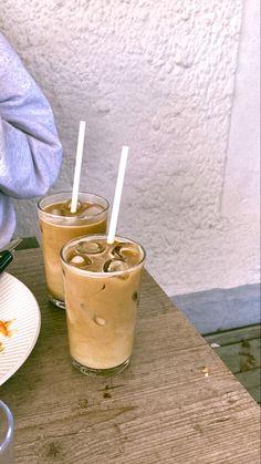 Cafe Food, Food N, Food And Drink, Aesthetic Coffee, Aesthetic Food, Brown Aesthetic, Iced Coffee, Coffee Drinks, Coffee Shop