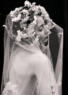 Enchanted by the ethereal, mystic femininity of a cathedral veil. Portrait Photography, Fashion Photography, Sakura Cherry Blossom, Cherry Blossoms, Photo Vintage, Black And White Photography, Ethereal, Marie, Black White