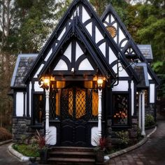 Little Tudor Cottage : CozyPlaces Tudor Cottage, Storybook Cottage, Cottage Homes, Fairytale Cottage, Witch Cottage, Storybook Homes, Modern Cottage, Rustic Cottage, Coastal Cottage