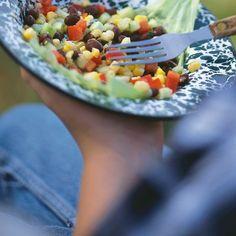 Corn and Black Bean Salad Vegan Gluten Free, Vegan Vegetarian, Ricardo Recipe, English Cucumber, Bean Salad, Black Beans, Meals, Vegetables, Cooking