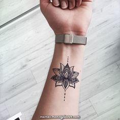 small tattoos for women ~ small tattoos ; small tattoos with meaning ; small tattoos for women ; small tattoos for women with meaning ; small tattoos for women on wrist ; small tattoos with meaning inspiration Tattoo Girls, Girl Tattoos, Tattoo Women, Forearm Tattoos For Women, Mandala Tattoos For Women, Tattoo Sister, Tattoos On The Wrist, Small Women Tattoos, Cool Tattoos With Meaning