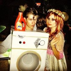 Alex Turner and his girlfriend were Florence and the Machine for Halloween. So clever.