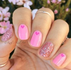 15 einfache Valentinstag Nail Art Designs Ideen 2017 Vday Nails - New Ideas Fancy Nails, Love Nails, Trendy Nails, How To Do Nails, Cute Pink Nails, Style Nails, Heart Nail Art, Heart Nails, Heart Art
