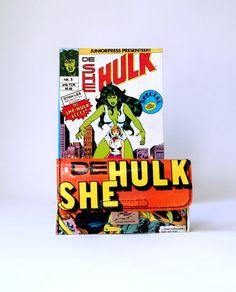 Tabaktasche SHE-HULK Marvel Comic upcycling Unikat! Tabakbeutel, Tabaketui, Marvel Hulk Comic Tasche Recycling handmade in Berlin von PauwPauw auf Etsy