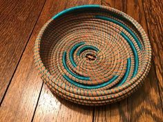 Pine Needle Basket by ‎Dee Reichert
