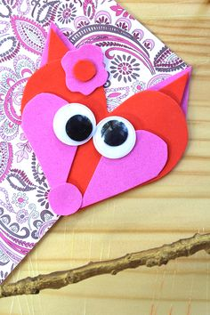Whether you make this for Valentine's day or just a fun afternoon, this cute fox craft for kids is adorable and created in minutes!
