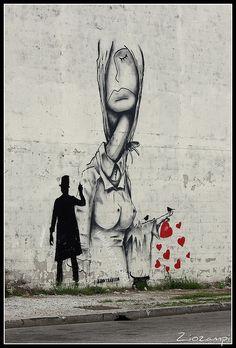Hearts love spray painting wall urban artist Kenny Random KR street art in Italy PADOVA - via Seconda Strada