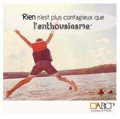 [CONSEIL DU JOUR] Sourire et légèreté sont le programme de votre journée ! #chemindubonheur #citation #bienetreautravail #vie #bonjour