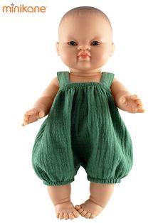 Poupée Paola Reina Gordis habillée par Minikane avec un bloomer en lange vert. #poupeepaolareina #poupeegordis #poupeeminikane #vetementpoupeepaolareina