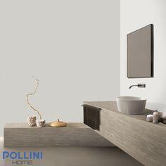 #top in #ceramica in stile legno bianco per il #bagno con piatto lavandino integrato, accompagnato da una #panca piana dello stesso materiale ceramico.