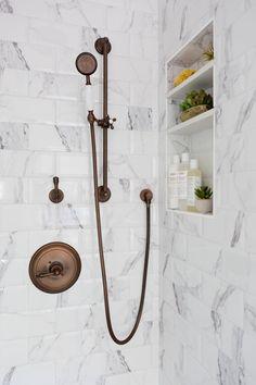 36 Luxurious Tile Shower Bathroom Decoration and Design Ideas - iDoRoom Small Basement Bathroom, Bathroom Niche, Modern Bathroom Decor, Chic Bathrooms, Bathroom Interior Design, Shower Bathroom, Bathroom Ideas, Modern Basement, Basement Ideas