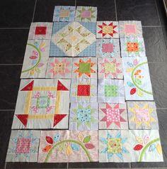 Sew Me: Happy Days BOM - April Progress Sarah Fielke Quilts, Bee In My Bonnet, Sampler Quilts, Block Of The Month, Quilt Tutorials, Happy Day, Quilt Blocks, Quilt Patterns, Applique