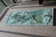 Glas and metal Bath Mat, Glass Art, Sculptures, Rugs, Metal, Home Decor, Farmhouse Rugs, Decoration Home, Room Decor