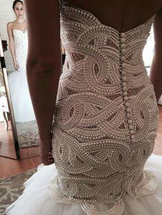 Designer: Velani - Major pearl wedding dress! Very pretty.