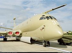 Hawker Siddeley Nimrod MR2 (801) aircraft picture Rolls Royce Merlin, Lancaster Bomber, Aircraft Pictures, Royal Air Force, Air Show, Spacecraft, Military Aircraft, Jets, Airplanes