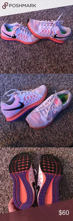 Nike zoom women's size 8 EUC Great used condition Nike zooms I have a ton of shoes so decided to sell true to size Nike Shoes Sneakers
