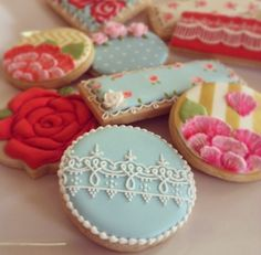 Arty Mcgoo - lace and floral cookies