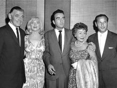 """l to r:  Clark Gable, Marilyn Monroe, Montgomery Clift, Thelma Ritter and Eli Wallach - cast of """"The Misfits"""" 1961"""