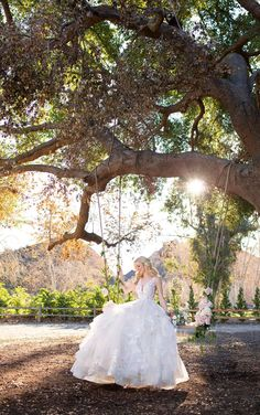 Whimsical Tiered Ballgown - Martina Liana Wedding Dresses Wedding Dress Pictures, Wedding Dress Styles, Designer Wedding Dresses, Martina Liana, Couture Wedding Gowns, Gown Wedding, Essense Of Australia, Glamour, Bridal Photography