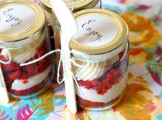 Cupcakes en un bote en Recetas de cupcakes dulces y magdalenas, con pasos de cómo preparar, cocinar y hornear