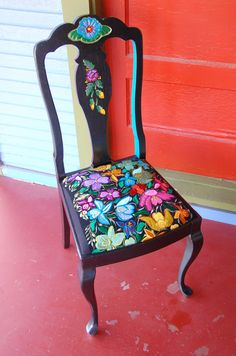 Black Repurposed Chair by pridadesign on Etsy Whimsical Painted Furniture, Hand Painted Chairs, Hand Painted Furniture, Funky Furniture, Colorful Furniture, Repurposed Furniture, Furniture Makeover, Furniture Decor, Antique Furniture
