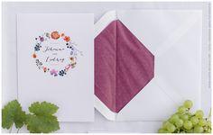 Bordeaux als edle Farbe für die Hochzeitskarte - passend für jede Jahreszeit. www.carte-royale.com