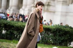 Street Style: Say Bye With Bold Color and Print - The Cut