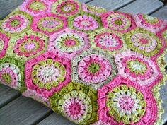 Apple Blossom Blanket by MiA Inspiration - For African flower pattern:  http://www.flickr.com/groups/africanflowers